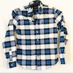 American Eagle Outfitters blue plaid button down M